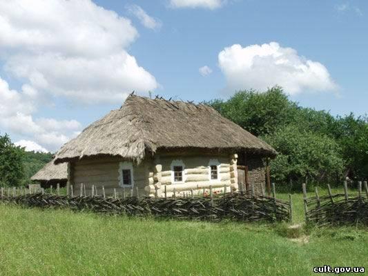 Народна архітектура українського